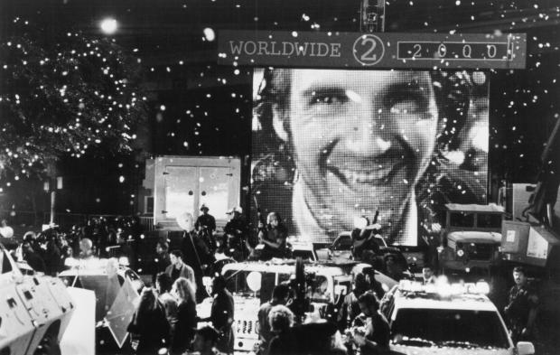 still-of-ralph-fiennes-in-strange-days-(1995)-large-picture