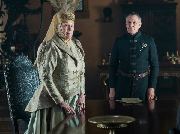 460252-olenna-tyrell-and-kevan-lannister-in-game-of-thrones-season-6-episode-4-book-of-the-stranger-resize