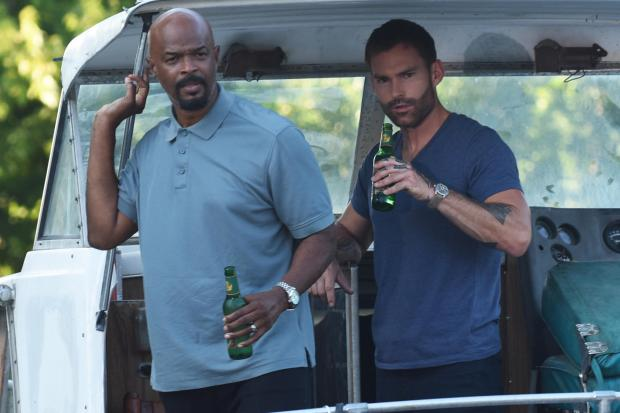 180823-damon-wayans-sean-william-scott-lethal-weapon