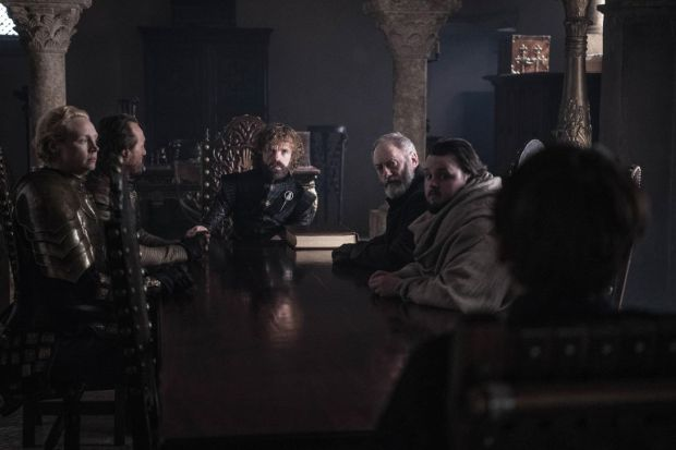 game-of-thrones-season-8-episode-6-tyrion-bran-council-table